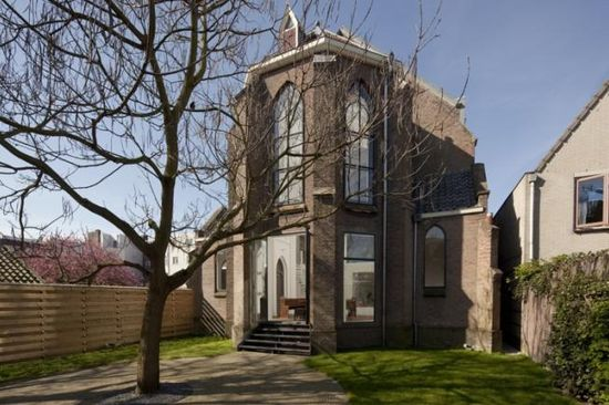 Old Dutch church converted into a beautiful house by Zecc Architects 1