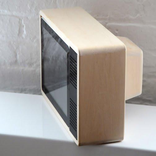 Jonas Damon docking unit to make your iPad into a portable TV