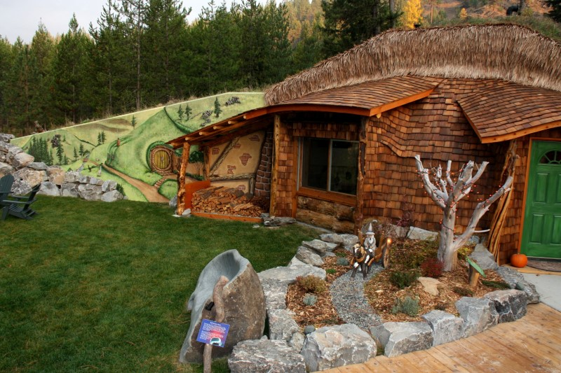 The Hobbit House front entrance 2