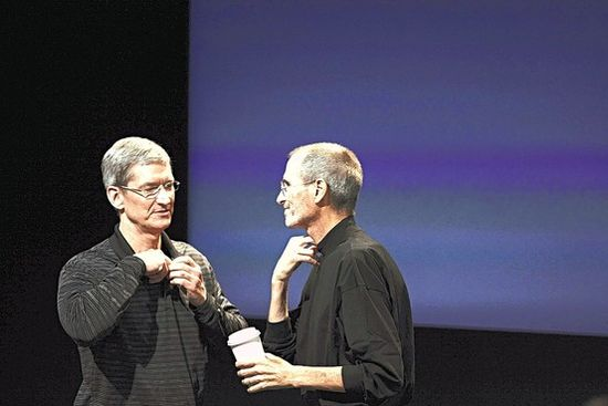 New Apple CEO Tim Cook (left) has the unenviable job of replacing an innovation iconlike Steve Jobs