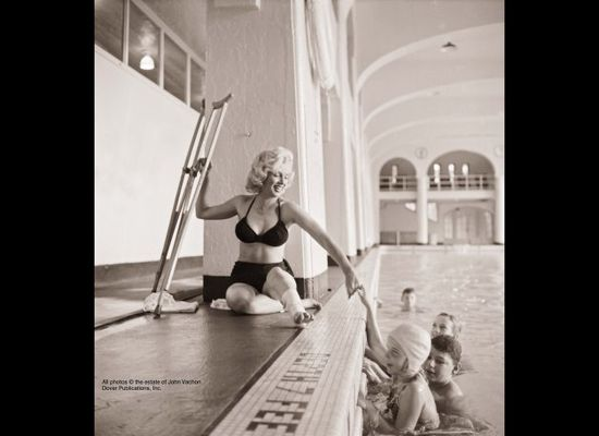 Marilyn Monroe - Lost Look Magazine Photos 1953 a