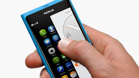 Nokia N9 smartphone tackles the UI design problem