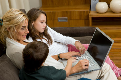 Moms with kids using social networks