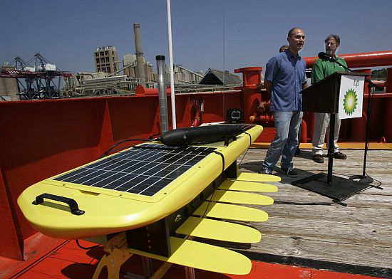 Wave Glider developed to monitor impact of BP and Deepwater Horizon oil spill