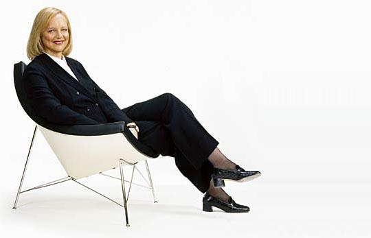 New HP CEO Meg Whitman says, 'I'm back!!'