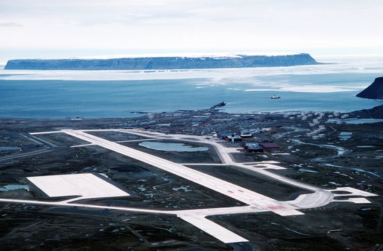 Thule_Air_Base_aerial_view