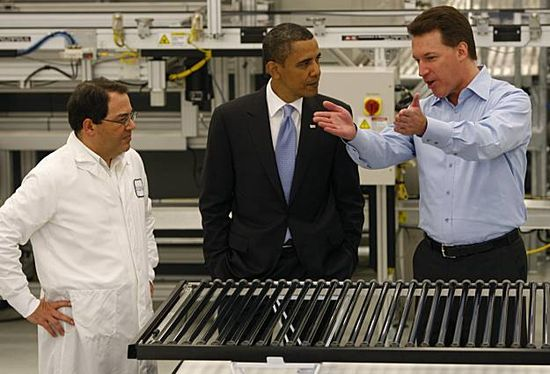 Solyndra CEO Chris Grone and Vice-President Ben Bierman explains solar technology to President Obama in 2010