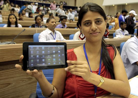 Aakash Ubislate 7 is a 7-in Android tablet made in India and could selling for $60 soon