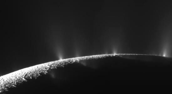 Cassini Flyby of November 24, 2009 Shows Enceladus Venting