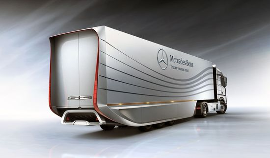 Mercedes-Benz Aero Trailer 4