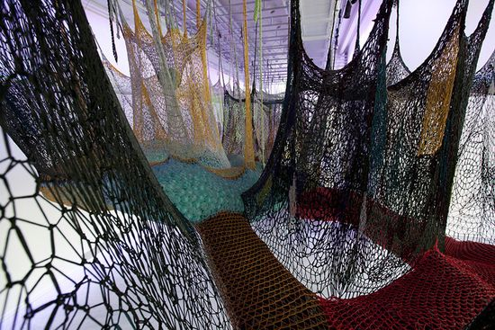 A massive maze of nets by Buenos Aires' Ernesto Neto puts Spiderman's webs to shame 5
