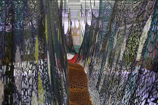A massive maze of nets by Buenos Aires' Ernesto Neto puts Spiderman's webs to shame 7