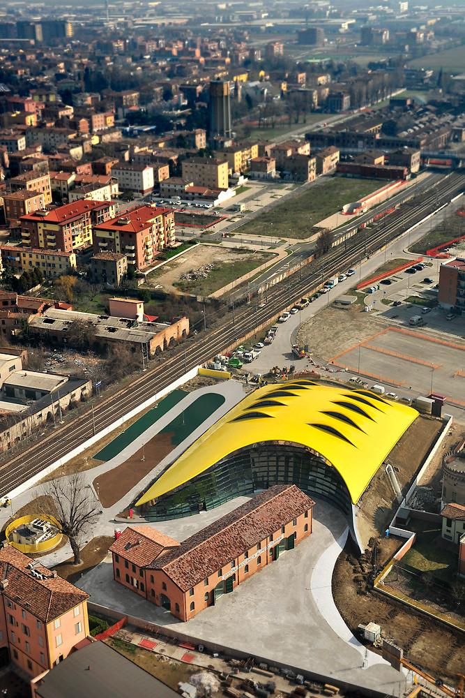 New Enzo Ferrari Museum looks like the hood of a hot sports car 2