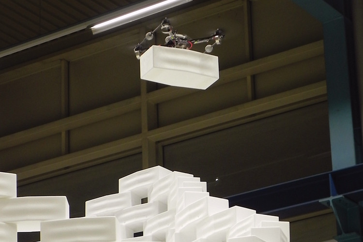 Flight Assembled Architecture using four quadrocopters to build a 20-ft tower 7