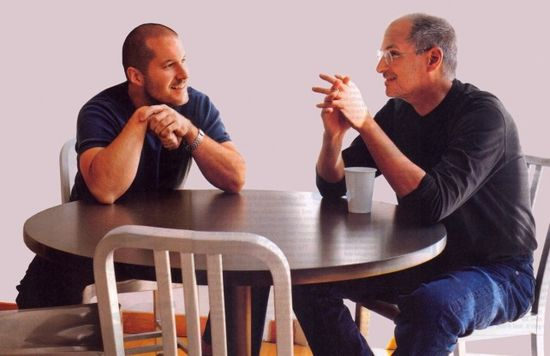Apple Sr VP of Product Design Jonathan Ive kissing up to Steve Jobs