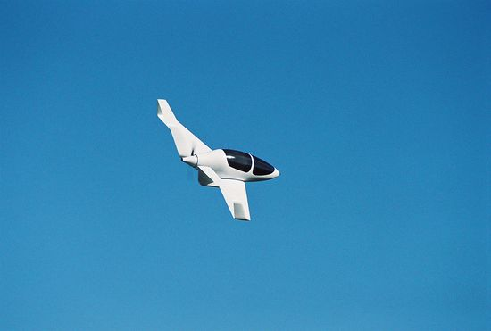 Syngergy box-wing plan at one-quarter scale in flight