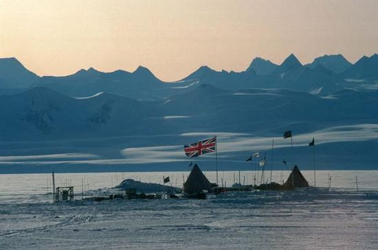 The British camp at Lake Ellsworth.  British engineers have completed the first phase of a project to explore an ancient subglacial lake buried 1.8 miles beneath the ice in Antarctica