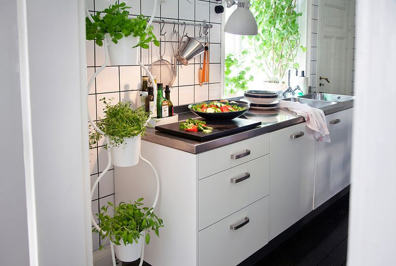 ikea ps collection for 2012 three pot vertical plant. Black Bedroom Furniture Sets. Home Design Ideas