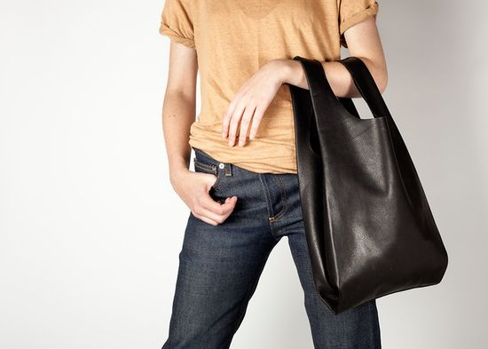 Baggu's first leather handbag sold out before they were even available, thanks in part to a feature that ran in Teen Vogue