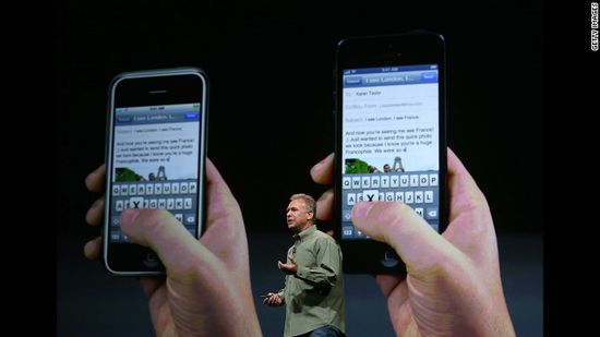 Phil Schiller, Apple Senior Vice-President of Worldwide Product Marketing, announces the iPhone 5