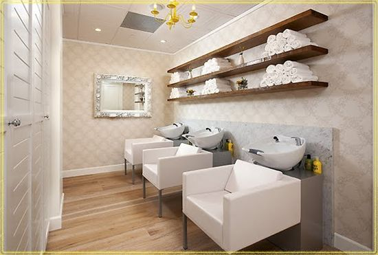 Drybar salon in Los Angeles interior view 3