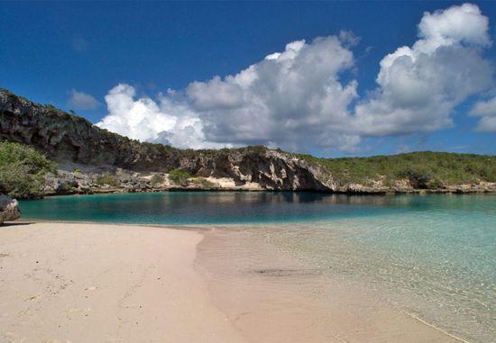 Dean's Blue Hole, Bahamas closeup 3