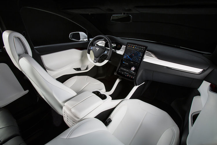 Tesla's Model X critics loved the interior features, including a 17-inch touch-screen dash, which is basically a big iPad