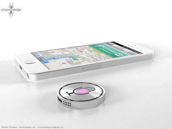 Siri iWatch next to the iPhone 5
