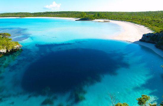 Dean's Blue Hole, Bahamas closeup 2