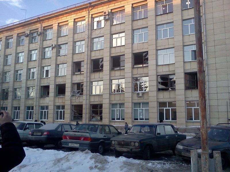 Picture of windows damaged right after the impact of meteorite in Chelyabinsk