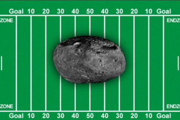 The size of the asteroid 2012 DA14 in comparison to a football field