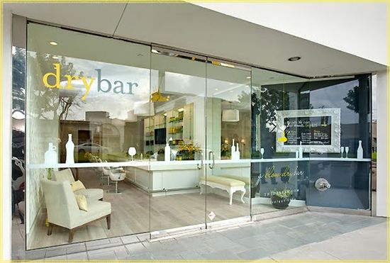 Drybar salon in Los Angeles front view