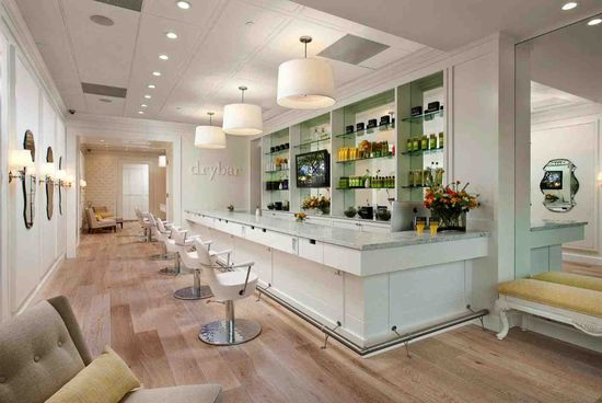 Drybar's salon in Los Angeles interior view 1