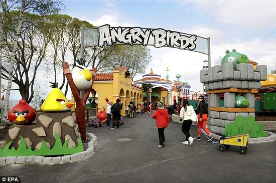 In May 2012, Angry Birds Land opened inside Sarkanniemi Amusement Park in Tampere, Finland