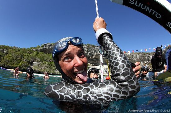 Ashley Futral Chapman wins the bronze medal for overall freediving