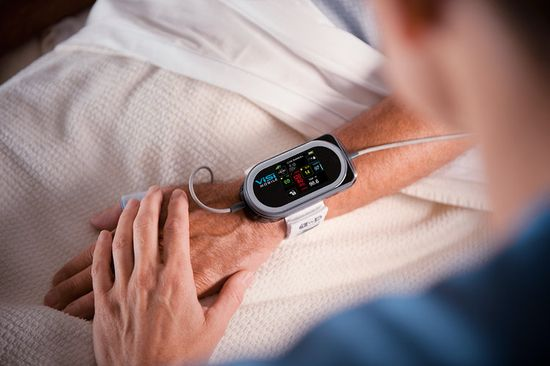 The ViSi Mobile Monitor replaces the bulky, tethered monitors that nurses need to check bedside