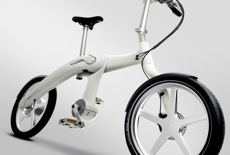 The Footloose chainless folding electric bike 2