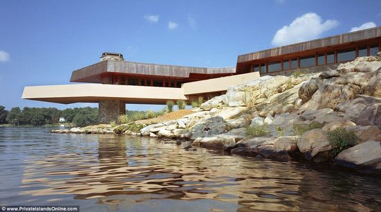 Petra Island includes a 5,000 sq foot Frank Lloyd Wright designed home 4