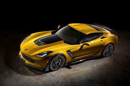 2015-Chevrolet-CorvetteZ06-028