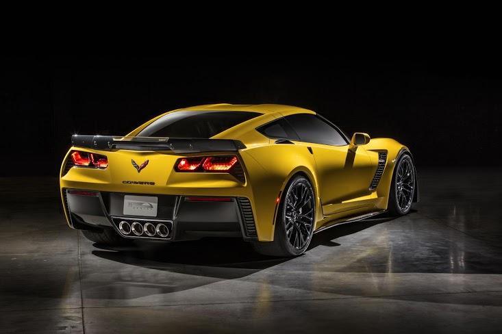 2015-Chevrolet-CorvetteZ06-029
