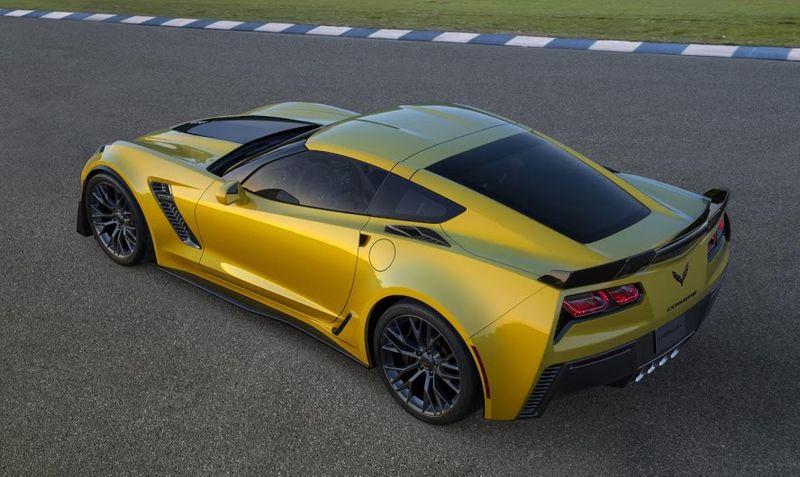 2015-Chevrolet-CorvetteZ06-007