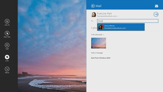 Multitasking photos and mail in Windows 8.1