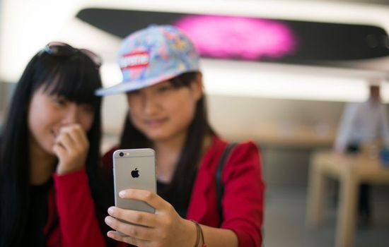 Chinese consumers in China are driving smartphone sales worldwide