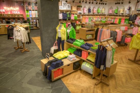 Lululemon Athleica retail store interior and layout