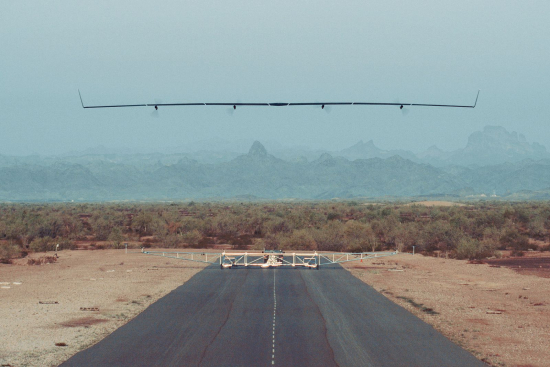 Facebook's Aquila the world's first solar-powered wireless drone takes fight 4