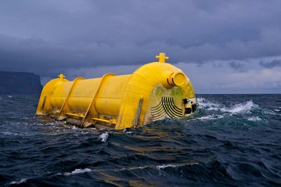 Aquamarine Wave Power being tested off the coast of Scotland 1