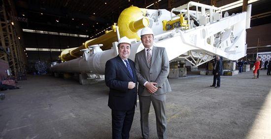 Aquamarine Power CEO Martin McAdam with Scotland's First Minister Alex Salmond
