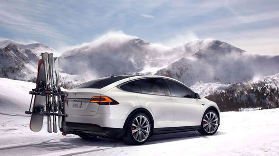 Tesla Model X all-electric SUV D