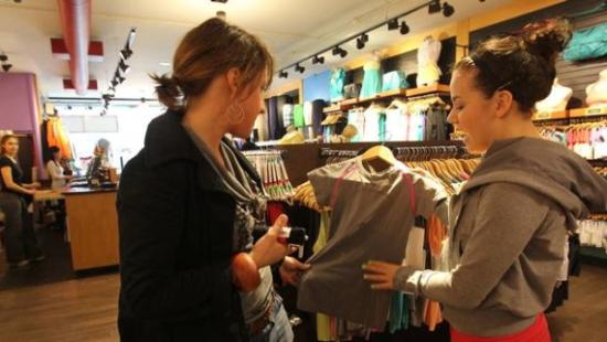 Lululemon staff feel more like yoga or gym buddies than retail clerks